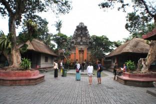 newバリ島【ウブド】寺院巡りの旅 満喫(ランチ付き)